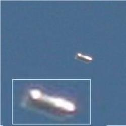 Latest UFO Sightings Cylinder UFO Captured Above England