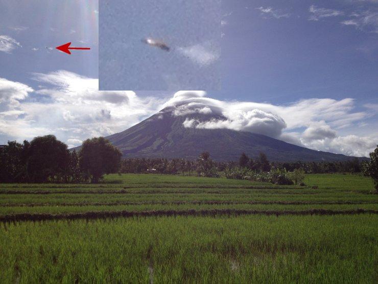 Legaspi, Philippines - 08-03-13