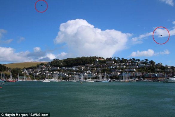 Devon photograph with two UFOs. (Credit: Haydn Morgan/SWNS.com)