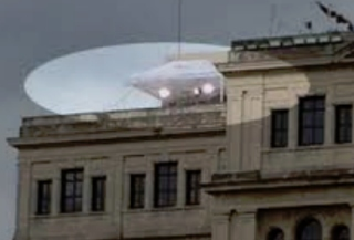 Possible UFO during Obama visit to Cuba