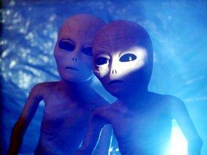 alienspuppets.jpg